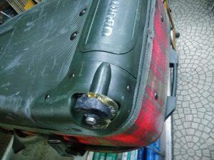 片持ち2輪の大径タイヤ、削り出し部品をいくつも使いました。